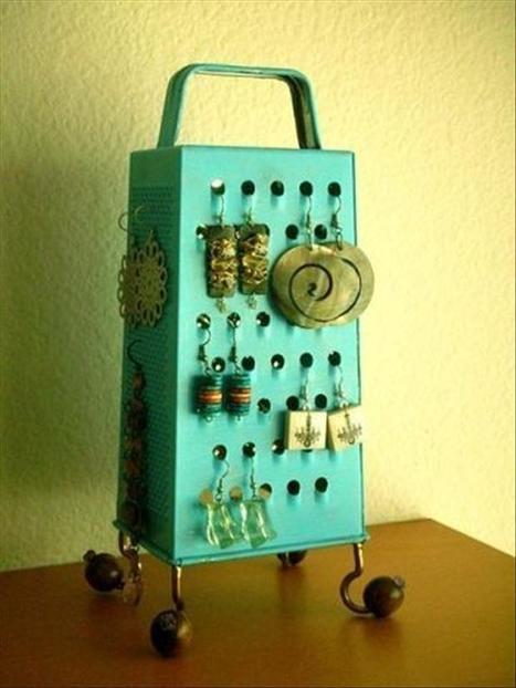 Earring holder   Formidable ideas   Scoop.it