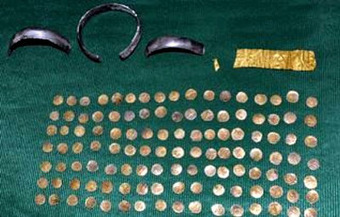 The Archaeology News Network: Ancient gold coins, gold plate, silver anklets found | Penny Auctions The GottCash way | Scoop.it
