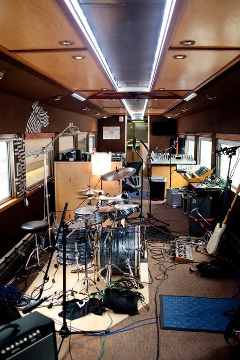 Here's How You Cram a Recording Studio Inside a Speeding Train - Wired | Music | Scoop.it