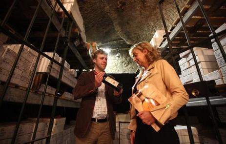 Paris : 5 000 bouteilles de vin au profit des Restos du Cœur | Le Vin en Grand - Vivez en Grand ! www.vinengrand.com | Scoop.it