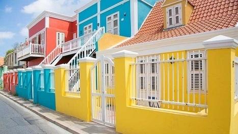 Les maisons colorées de Willemstad   I love it !   Scoop.it
