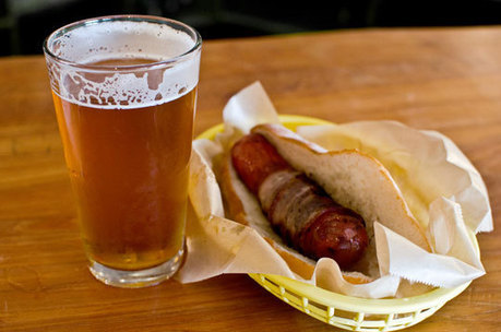 Every Man's Dream Diet Actually Works – Man Sheds Pounds on Beer and Sausages Alone | Strange days indeed... | Scoop.it
