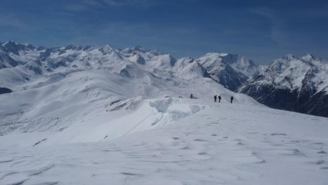 Vers le pic de l'Aigle sur les crêtes du Louron - Photos Montagne | Vallée d'Aure - Pyrénées | Scoop.it