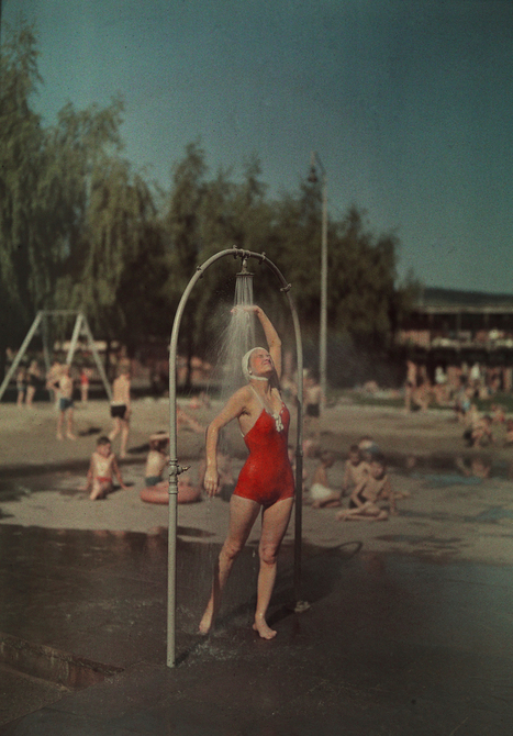 A 1936 color photograph shot in Berlin on Agfacolor | Art(e) + Sciences | Scoop.it