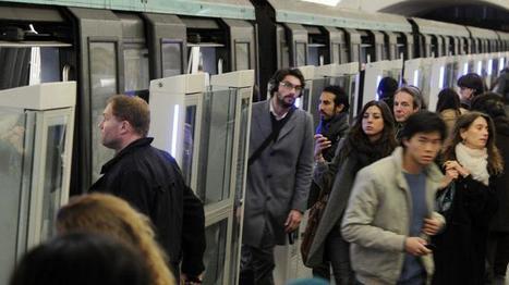 Un SDF fait le buzz en distribuant son CV dans le métro parisien | les candidatures originales | Scoop.it