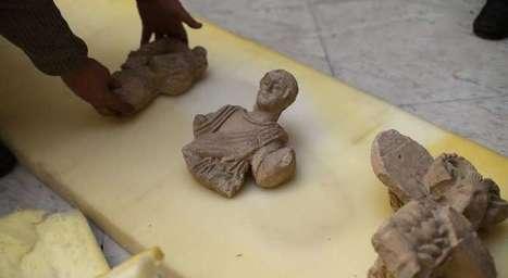 Syrie: des milliers d'antiquités sauvées par des fonctionnaires   LVDVS CHIRONIS 3.0   Scoop.it