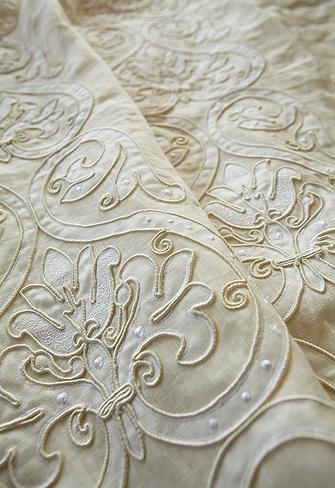 39 tissu haut de gamme 39 in tissu d 39 ameublement art textile. Black Bedroom Furniture Sets. Home Design Ideas