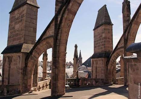 Vue insolite de la cathédrale de Rodez   L'info tourisme en Aveyron   Scoop.it