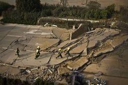 In beeld: doden door explosie pijpleiding in China   china   Scoop.it