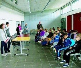 Les élèves de CM2 en immersion au collège | L'Est Eclair | Collège PITHOU | Scoop.it