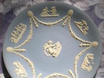 GORGEOUS VINTAGE WEDGEWOOD PLATE! CHERUBS! CLAMSHELLS! SWAGS! | Vintage Passion | Scoop.it