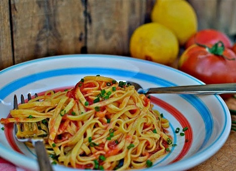 Summer Pasta Sauce: Raw Tomato with Lemon Infused Olive Oil   FASHION & LIFESTYLE!   Scoop.it
