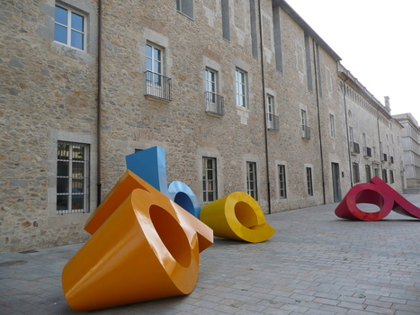 """A, b, c, q"" or ""soft fonts"" by Torres Montsó 