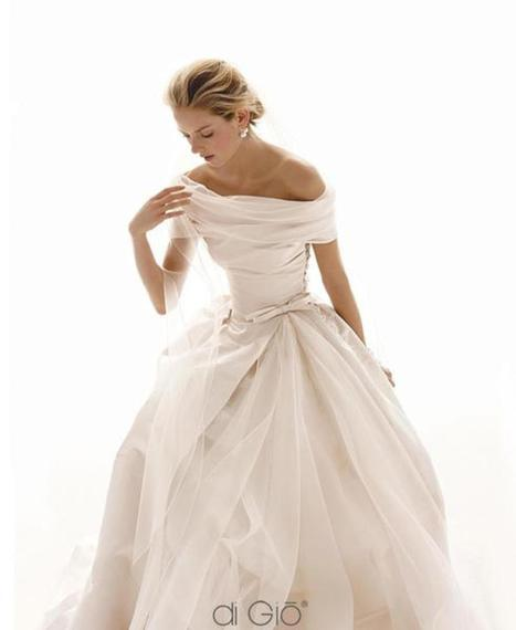 The Most Sensual Wedding Dress Trend Of The Year | Dresses | Scoop.it