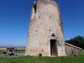 Pour un séjour romantique et insolite, en Charente Maritime, au cœur de la Haute Saintonge, ancien moulin à vent rénové écolo. | Vacances écologiques et éco-tourisme | Scoop.it