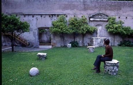 Janet Cardiff & George Bures Miller | Villa Medici Walk | 1998 | DESARTSONNANTS - CRÉATION SONORE ET ENVIRONNEMENT - ENVIRONMENTAL SOUND ART - PAYSAGES ET ECOLOGIE SONORE | Scoop.it