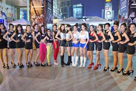 """Girls at """"X the world"""" ThaiMXGP Launching Event, 8-10 Feb.2013 at CentralWorld, Bangkok 