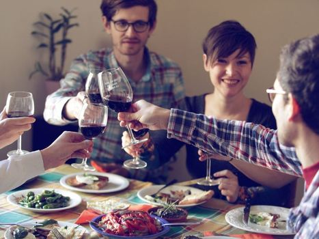 EatWith Raises $8M to Bring the Sharing Economy to Dinner - Clickug | The sharing economy | Scoop.it