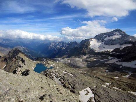 Monte Perdido et Lac Glacé depuis le grand Astazou  - Voyage sur les 212 | Facebook | Vallée d'Aure - Pyrénées | Scoop.it