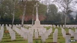 Oxford war graves cemetery gets QR smart phone code - WAR HISTORY ONLINE | QR Code Cemetery | Scoop.it