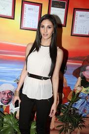Tollyscreen: Amyra Dastur Stills at Red fm | Tollyscreen | Scoop.it