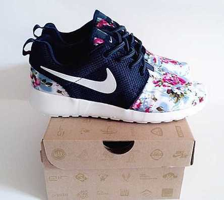 UK Trainers Nike Roshe Run Floral Mens Deep Blue White Fabric Flowers Size 6 - 9 Clearance 100% Authentic | Nike Roshe Run Black And White | Scoop.it