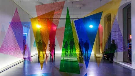 Majestically moving light installation by Nicky Assmann on view at TENT Rotterdam | L'art contemporain depuis Toulouse | Scoop.it