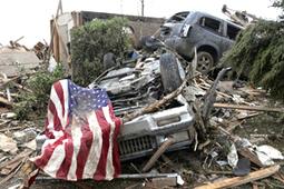 Vidéo Une tornade meurtrière et destructrice s'est abattue près d'Oklahoma City - Vidéo Actualités - Look Ma Video.fr   Buzz, humour et vidéos drôles   Scoop.it