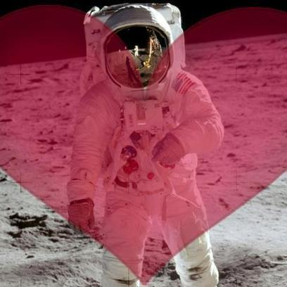 8 Romantic Gifts for Space Lovers | Digital-News on Scoop.it today | Scoop.it