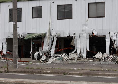[photo] Et pendant ce temps là ... dans le port de Sendai | Kanto91 | Japon : séisme, tsunami & conséquences | Scoop.it