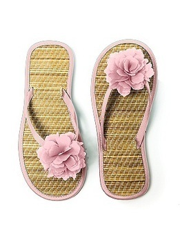 Flower Trimmed Bridesmaid and Bridal Flip Flop | fashion | Scoop.it