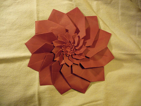 Komiya's Dahlia, fractalized | Made with (and of) Paper | Scoop.it