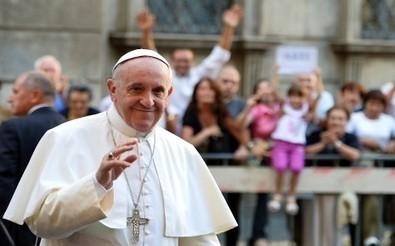 Le pape François dément avoir téléphoné à un jeune Toulousain homosexuel - RTL.fr | infos générales | Scoop.it