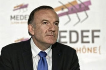 """Le Medef plaide pour des licenciements simplifiés   Argent et Economie """"AutreMent""""   Scoop.it"""