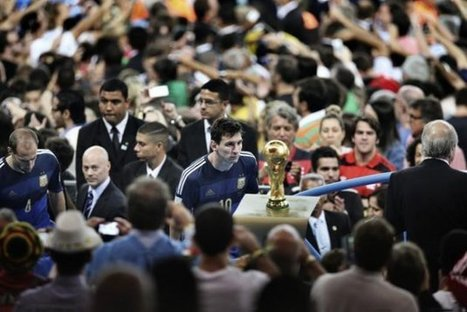 The best sports photo of the year goes to... Lionel Messi and 'The Final Game' - Yahoo Eurosport UK (blog) | Sport Photography | Scoop.it