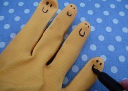 How to make puppets out of a rubber glove - Netmums   Handicrafts   Scoop.it