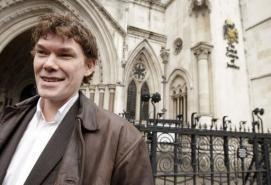 Gary McKinnon: British hacker who was 'hunting UFOs' - AFP | asperger | Scoop.it