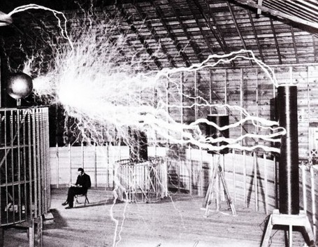 Nikola Tesla in his laboratory, 1899 | Unknown Knowledge | Scoop.it