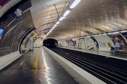Visages du métro, par Malgorzata Kobialka | Littérature -   Actualités - bouquinerie | Scoop.it