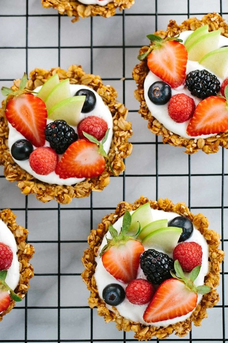 Eat Dessert for Breakfast with These Granola & Yogurt Tarts — Delicious Links | ♨ Family & Food ♨ | Scoop.it