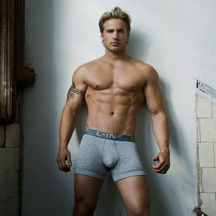 Arthus et Nico pour Petit-Q Underwear | Lingerie Homme | Scoop.it