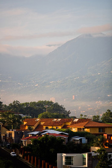 Small-Town Costa Rican Living in the City - Earthly Traveler | Live the Dream | Scoop.it
