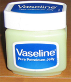 22 Beautiful Uses For Vaseline | beautifulwithbrains.com | Beauty Buff | Scoop.it