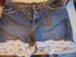 How I crocheted white lace trim for cutoff denim shorts | News-Gazette.com | Crochet | Scoop.it