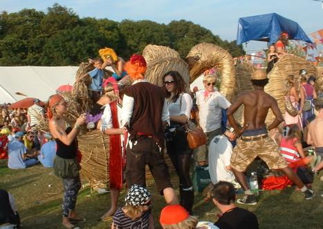 11 Awesome Ways to Sneak Alcohol into Festivals - VickyFlipFlopTravels.com | Glastonbury | Scoop.it