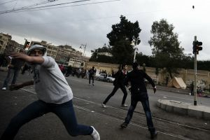 In Cairo, fresh violence breaks out at presidential palace | Gov News Around the World | Scoop.it