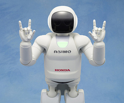 Asimo's AI disappoints in latest performance as it confuses smartphones for hands | Cloud Mobile Social Big-Data | Scoop.it
