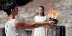 L'allumage de la flamme olympique donne le coup d'envoi du relais de la flamme des Jeux de 2014 à Sotchi | A lire, à écouter, à visionner.... | Scoop.it