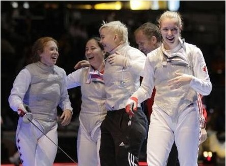 Epic Shot of Canadian Women Fencers after their Win! | Fencing for ALL | Scoop.it