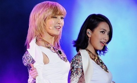 Nicole and Kang Ji Young Try to Seduce the Camera   TEEN TOP   Scoop.it